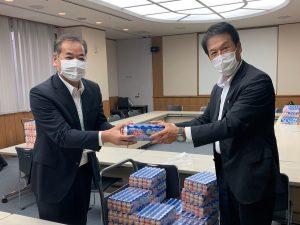 神戸市立西神戸医療センターの皆さまへ感謝の気持ちを込めてヤクルト400LTを寄贈